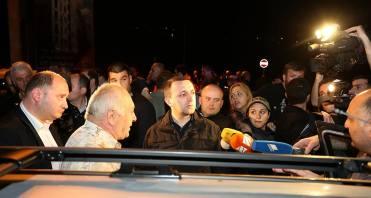საქართველოს პრემიერ-მინისტრი ირაკლი ღარიბაშვილი წუხელ სტიქიის ზონაში იმყოფებოდა.